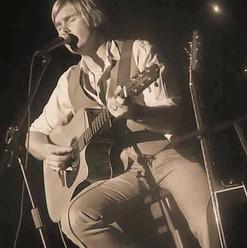 Carl Performing