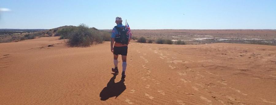 Travelling light in the Simpson Desert
