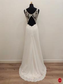 Robe de mariée top semi transparent dos.