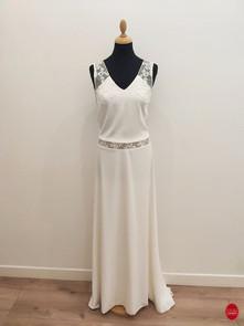 robe de mariée bohème col v devant.jpg