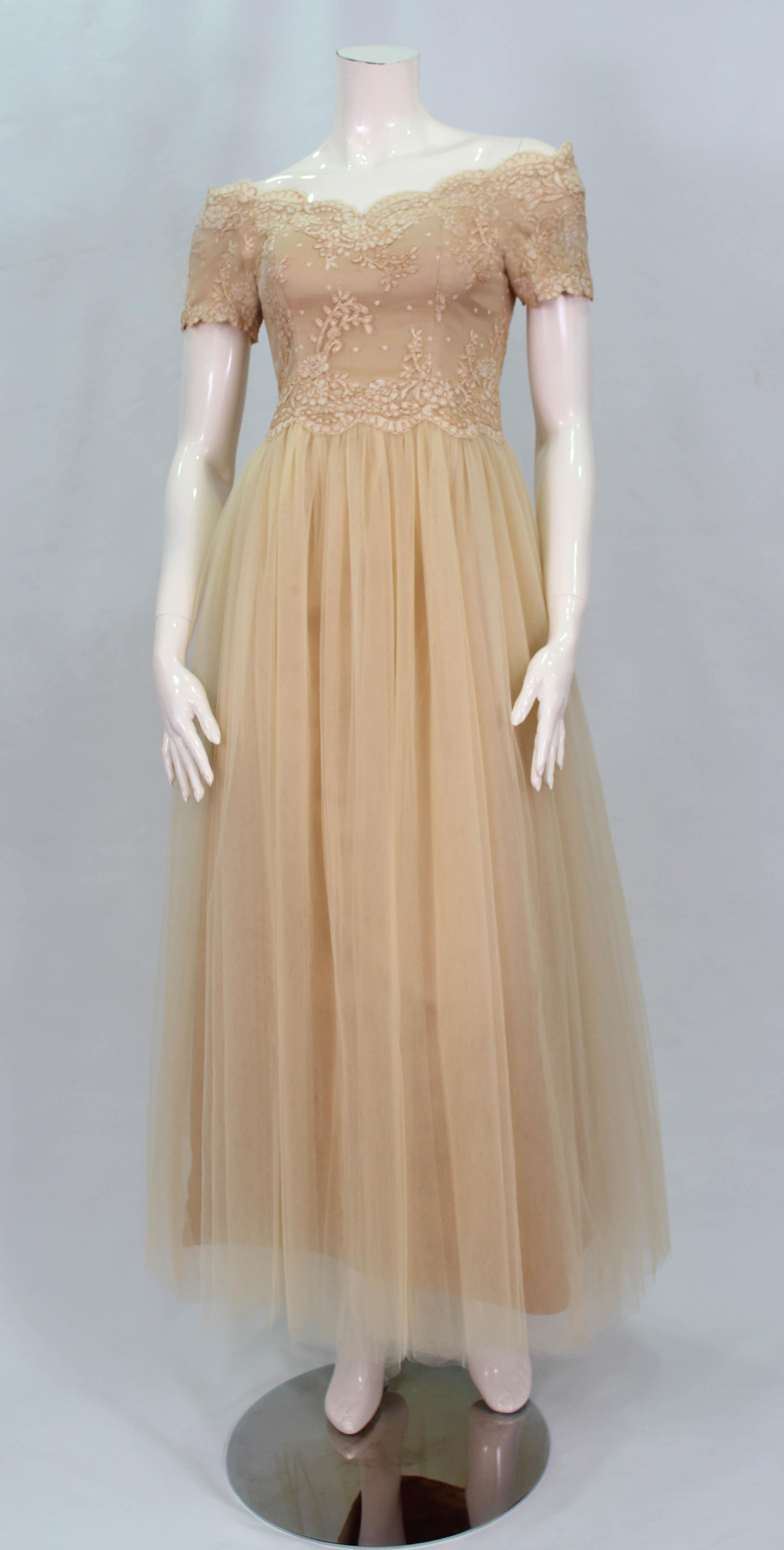 Futura Couture | robe décolletée