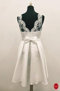 Courte robe de mariée blanche__Mariage c