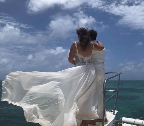 Robe de mariée moderne et romantique