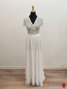 Robe de mariée cache cœur en dentelle et