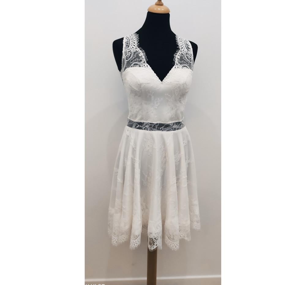 Courte robe de mariage