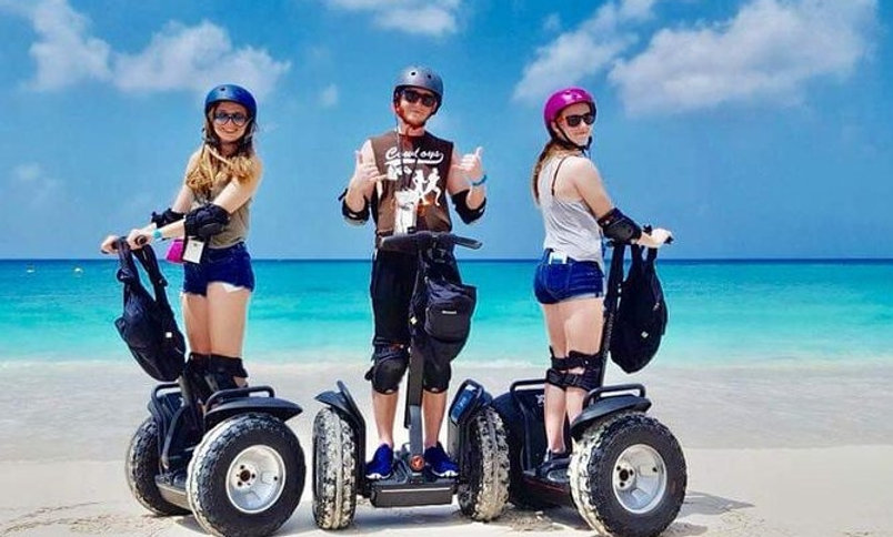 Tour in Segway della Cayman Islands Seven Mile Beach