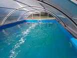 Chalupa Racov bazén zevnitř uzavřený.jpg