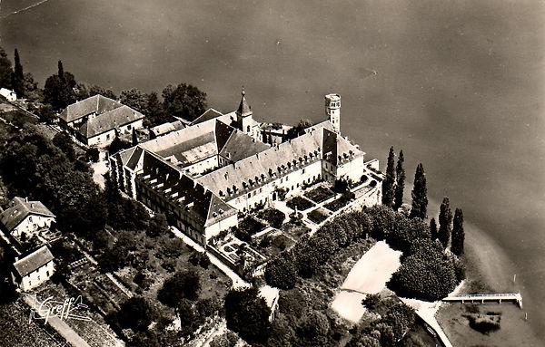 Lac du Bourget - Abbaye de Hautecombe.jpg