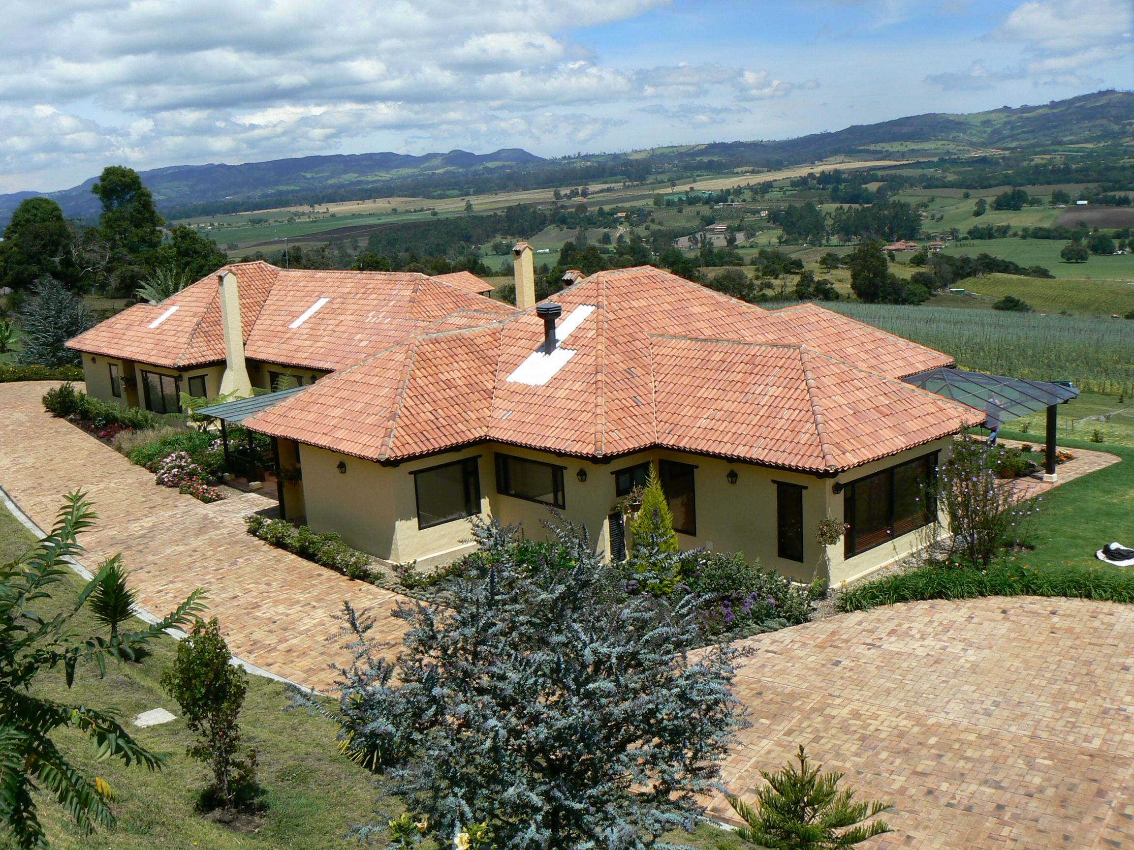 Casas campestres venta de planos constructora benhabitat for Cubiertas para casas campestres