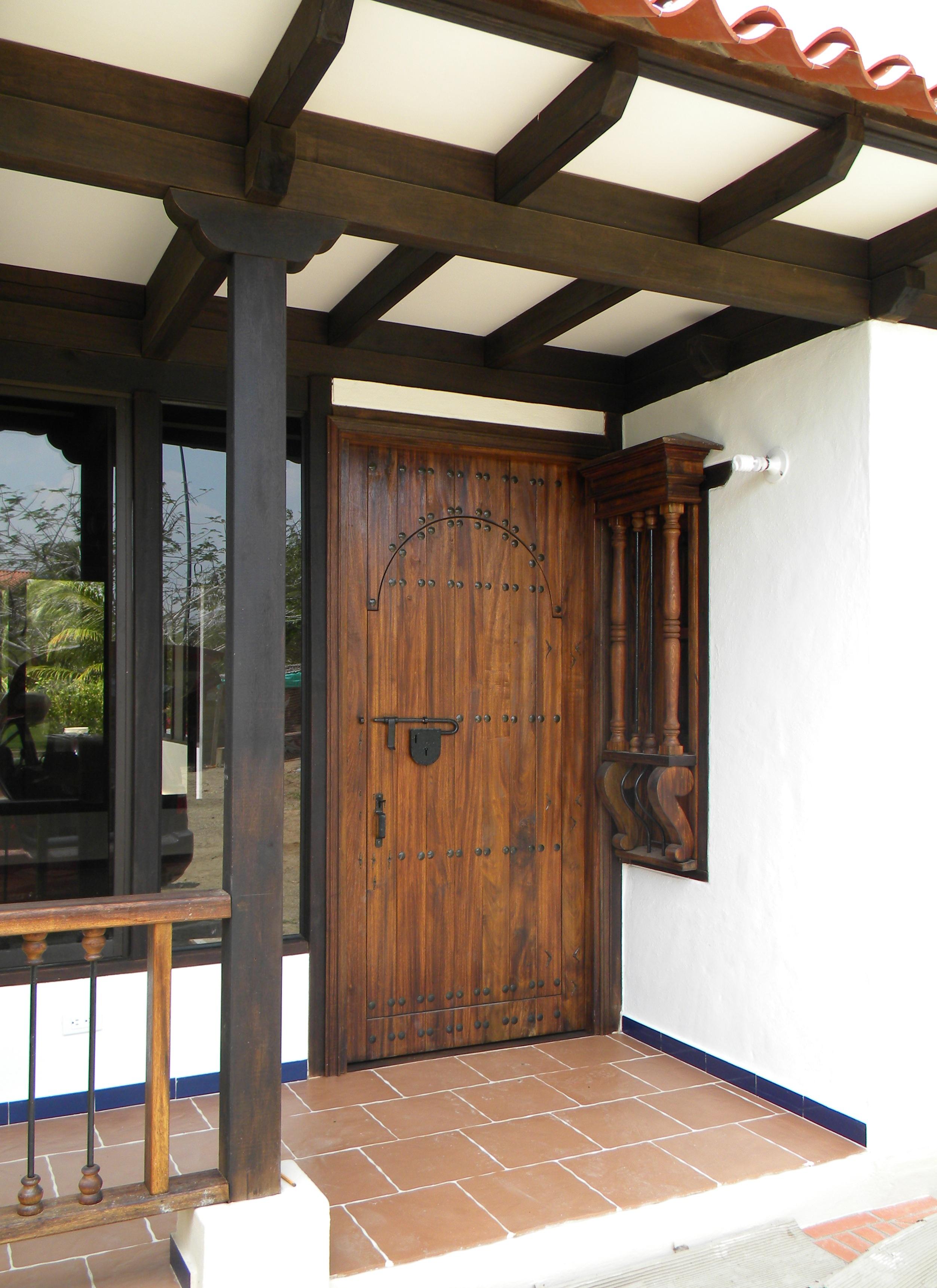 Puerta en madera dos