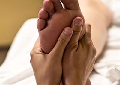 Pourquoi effectuer un massage des pieds ?