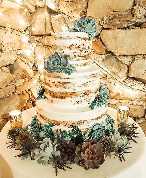 Rustic wedding cake goals!🤩 Cake by _cl