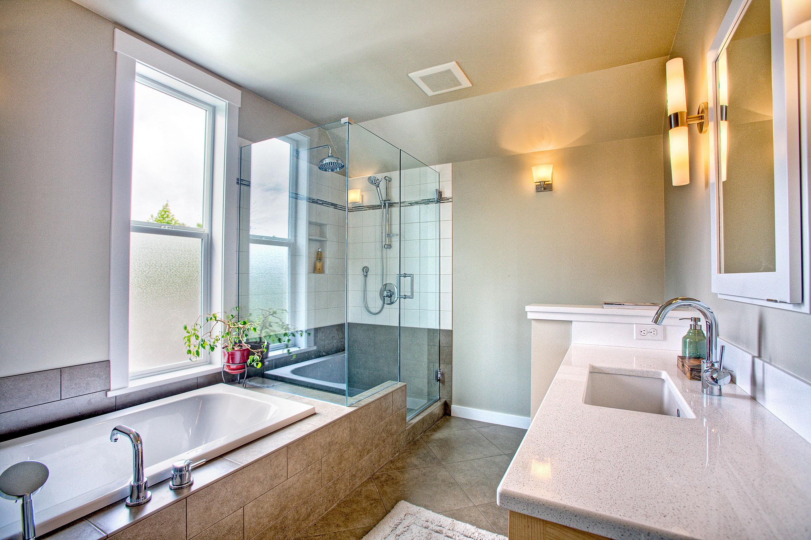 Karina Large Bathroom