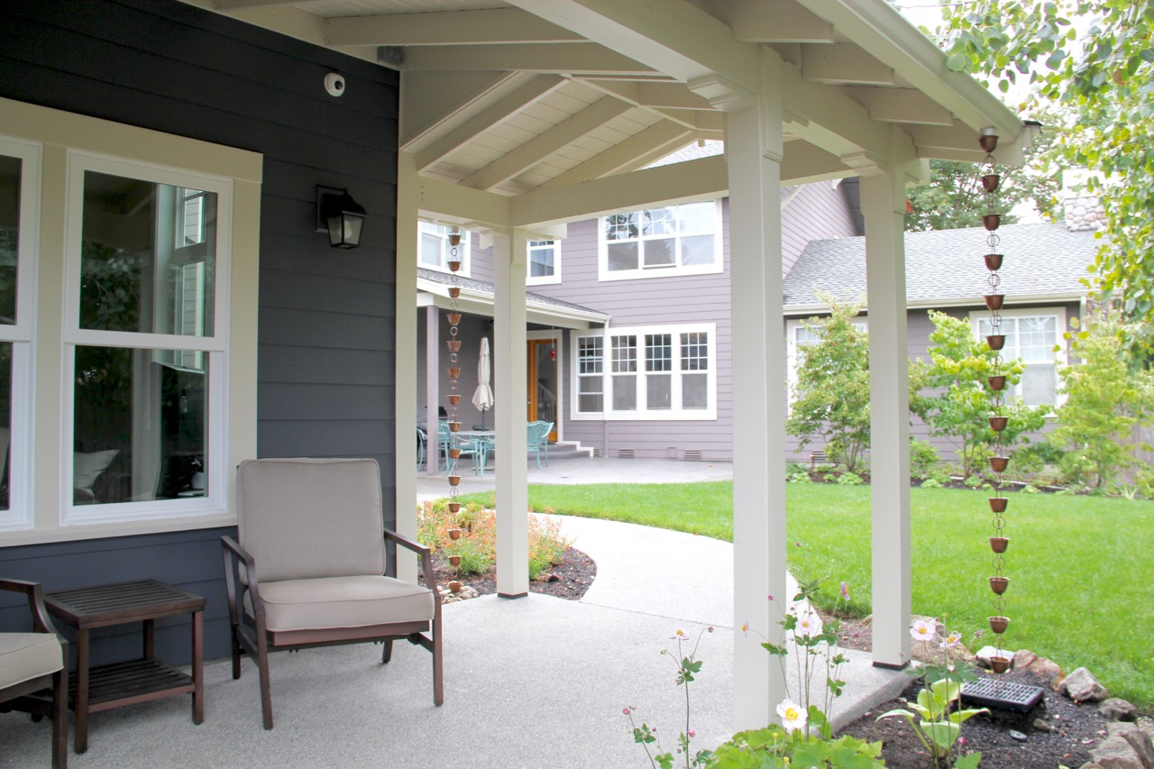 Bellevue Backyard Cottage Porch
