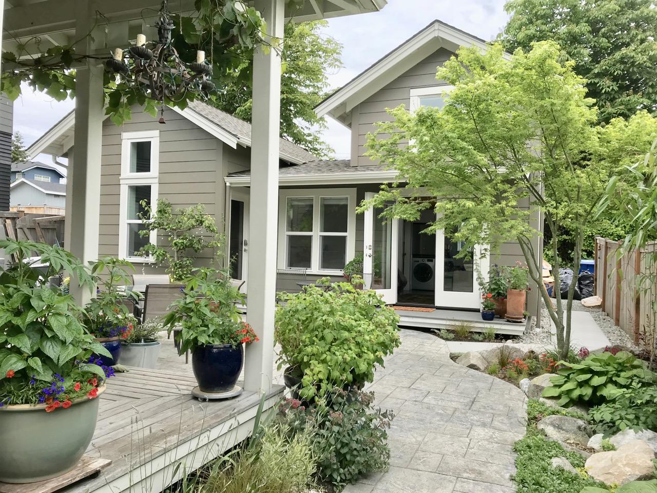 Backyard Cottage 14
