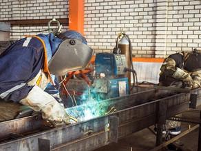 Agência do Trabalhador de Quatro Barras oferece vagas para soldador e auxiliar de produção