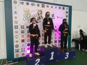 Atleta quatro-barrense é campeã da Copa Company 2020 de jiu-jitsu