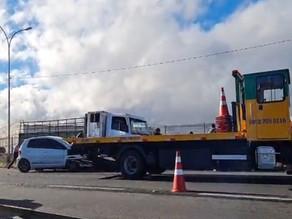 Acidente envolvendo caminhão, um micro-ônibus e dois carros é registrado na BR-116