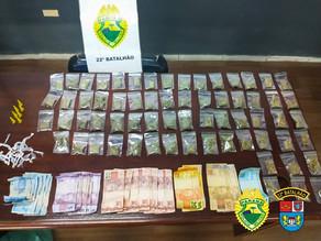 Trio é preso por tráfico e drogas são apreendidas em Colombo