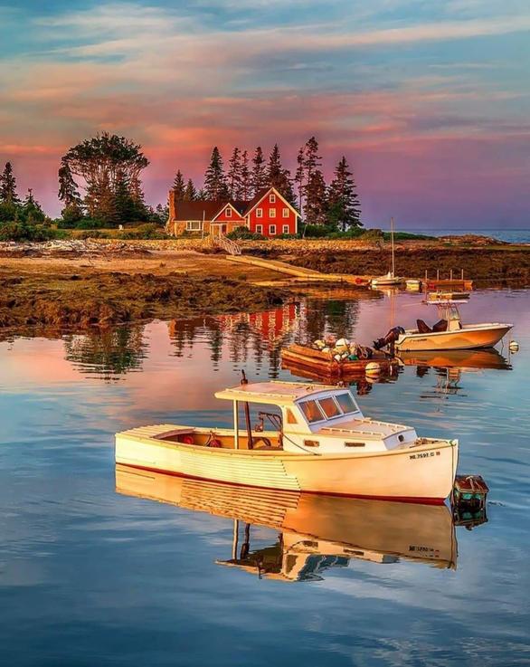 Lobster Boat at Mooring