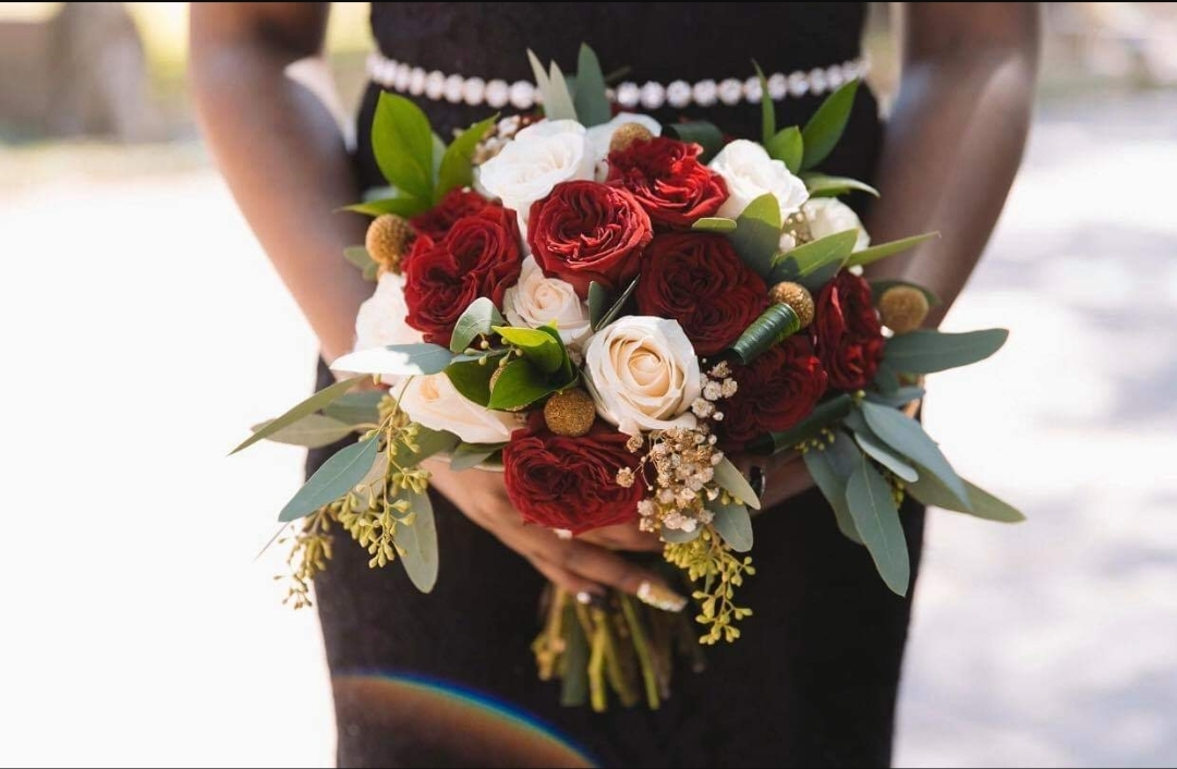 burgundy and cream rose bouquet.jpg