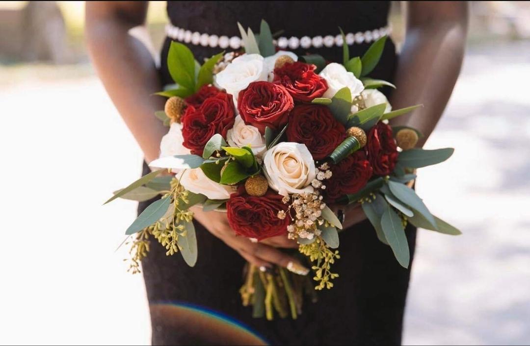 burgundy and cream rose bouquet.jpg