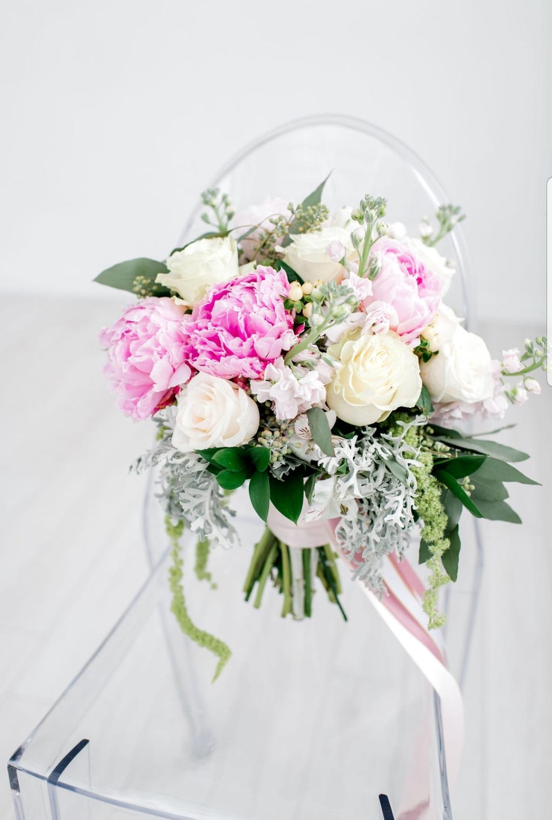 White and pink bridal leksi skerritt pho