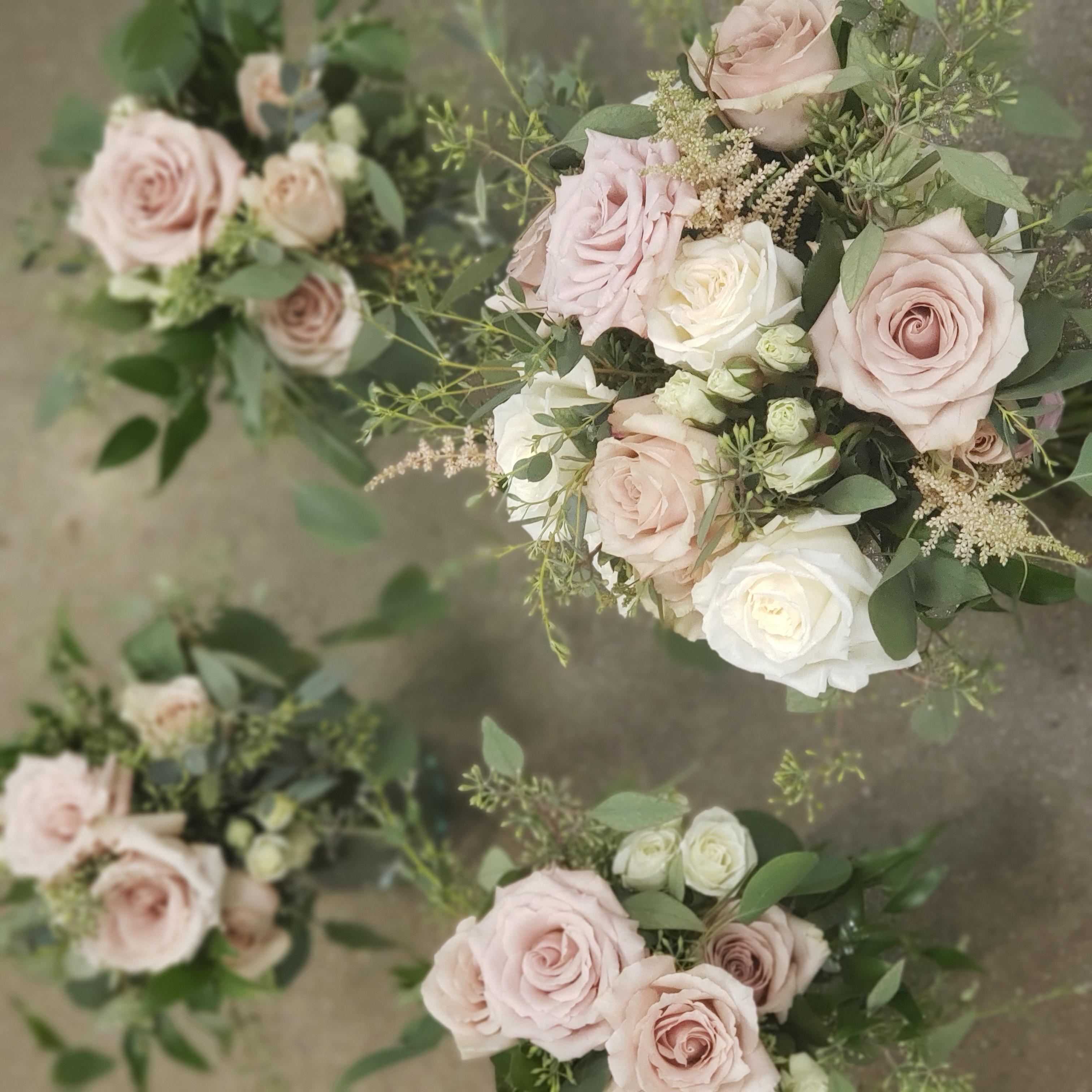 Quicksand bouquets.jpg