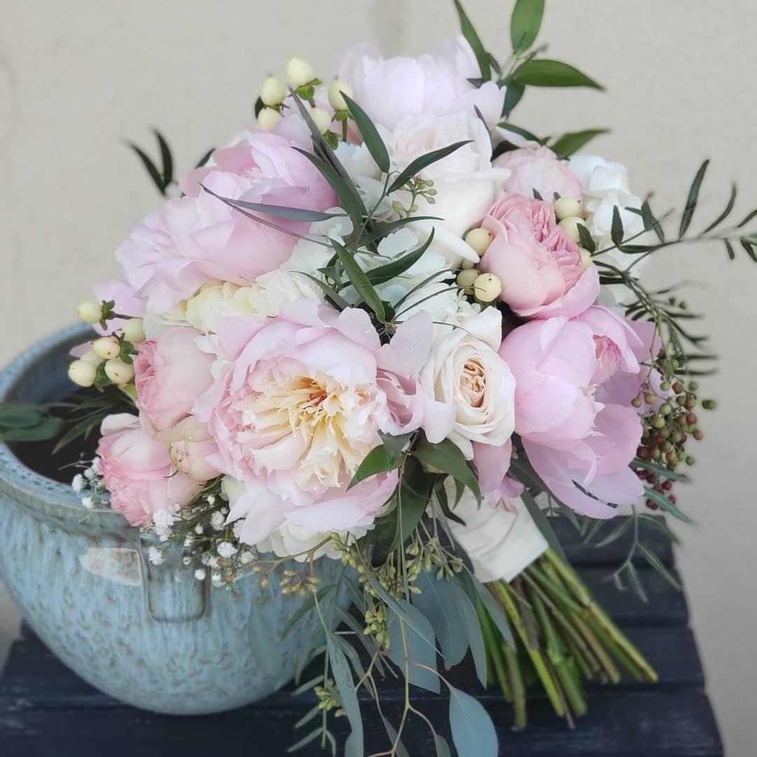 peony rose bouquet