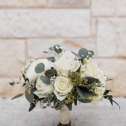 white roses and mix bridal.jpg