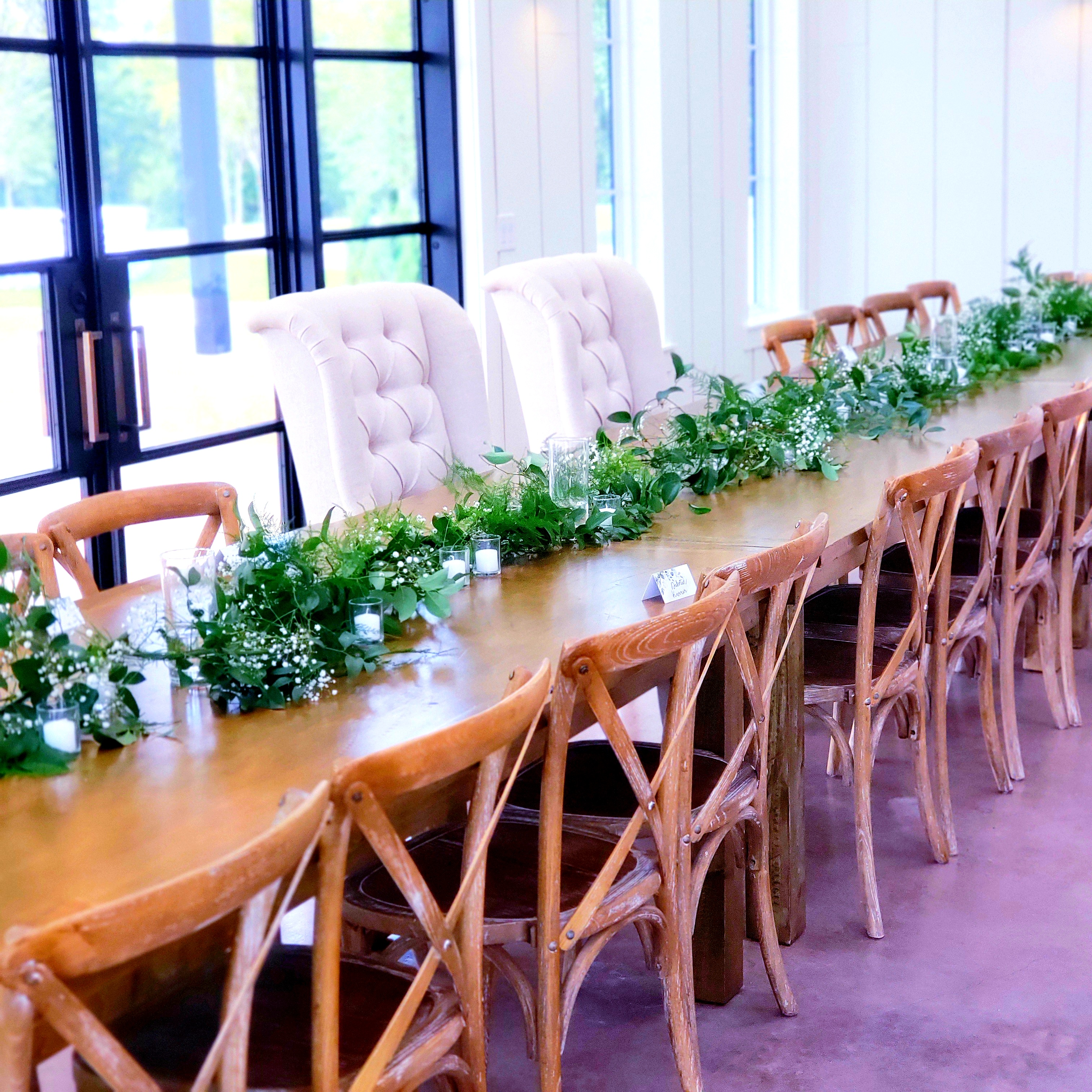 head table garland.jpg