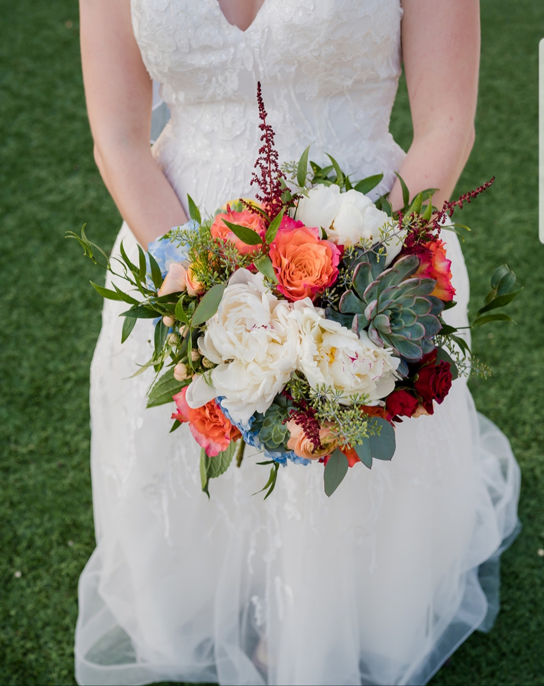 springy round bouquet.jpg