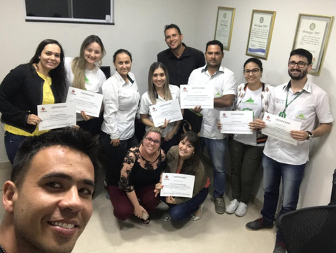 Entrega de Certificados do Curso de Vendas na Porto Pedras