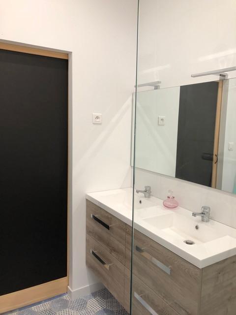Pose et montage des élément de salle de bains