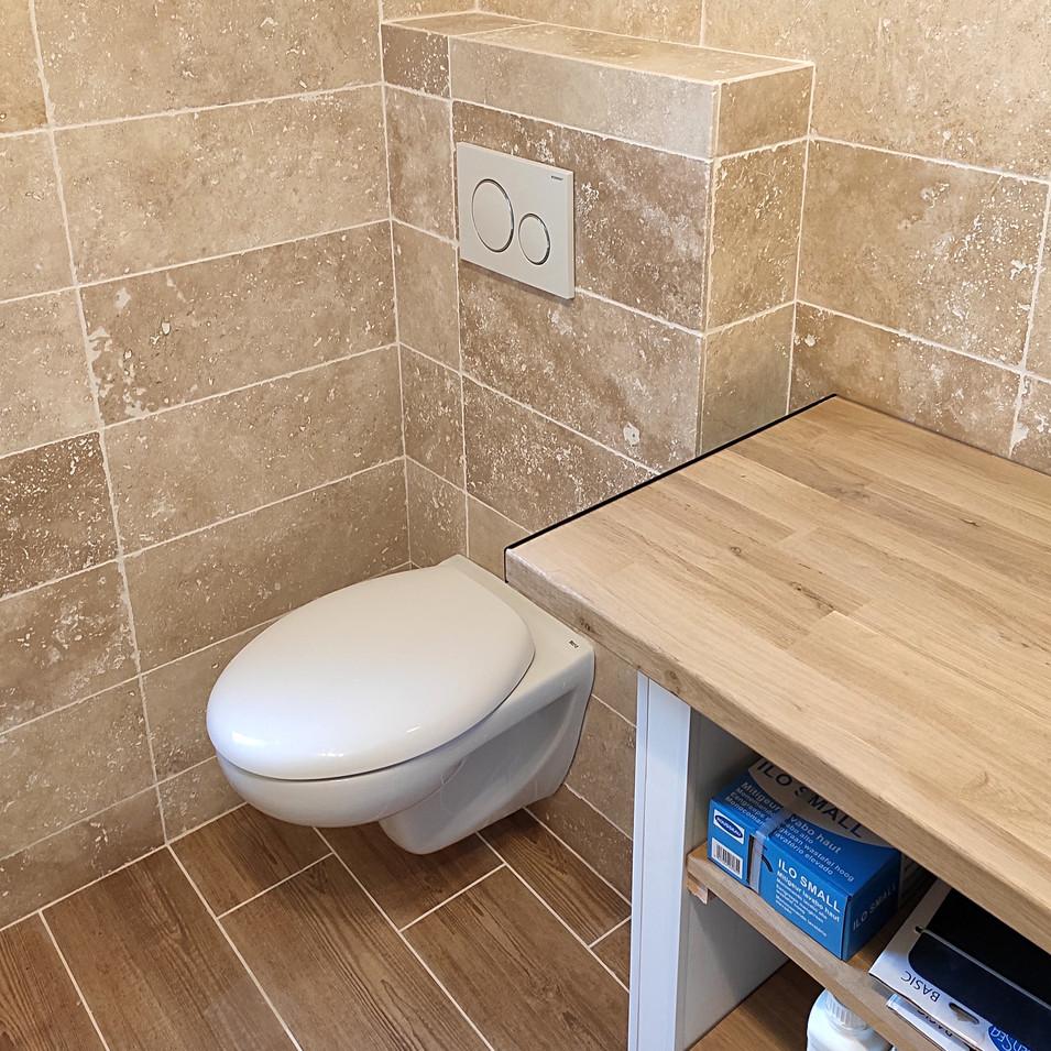Avec installation WC suspendu