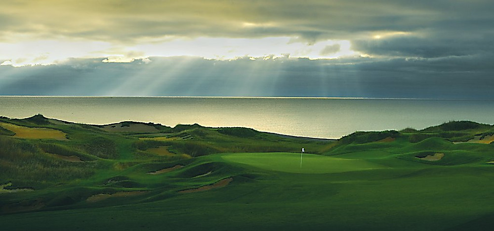 Photo from http://www.americanclubresort.com/golf/whistling-straits/the-straits/the-straits-hole-by-hole