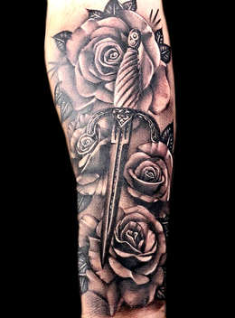 rose-tattoos-best-flower-artists-las-veg