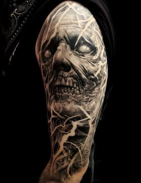 best-portrait-tattoo-artists--las-vegas-derek-calkins-vegas-strip-tattoos.jpg