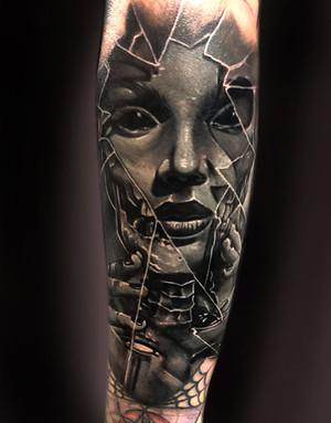 best-portrait-tattoo-artists-in-las-vegas-derek-calkins.jpg