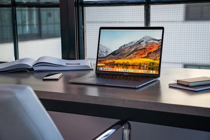 2018-macbook-pro-03-100764570-large.jpg