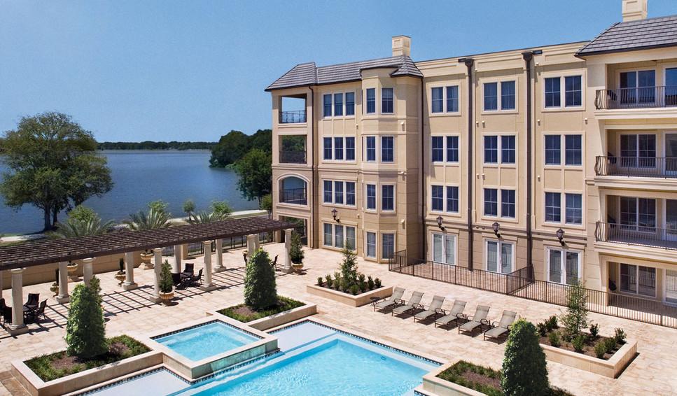 The Crescent at University Lake Baton Rouge