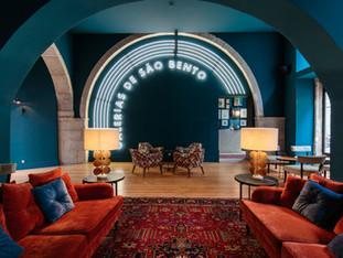 Dear Lisbon Lounge & Café opened.