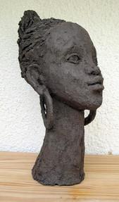 3964138_Tete-de-femme-africaine-web.jpg
