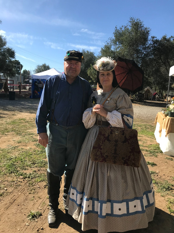 Sweetly Sauced is in Julian today for Gold Rush Days and what an amazing day it is.