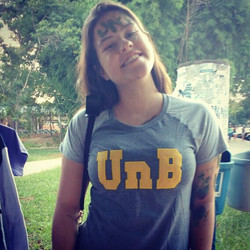 Camiseta raglan UnB