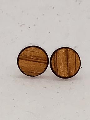 Minimalistic Wood Studs