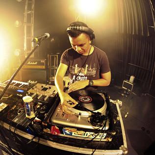 DJ Uno - Popshuvit