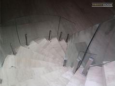 Guarda corpo vidro curvo em escada