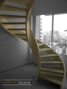 Escada helicoidal metálica