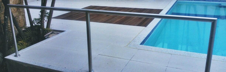 parapeito em aço inox para piscina .jpg